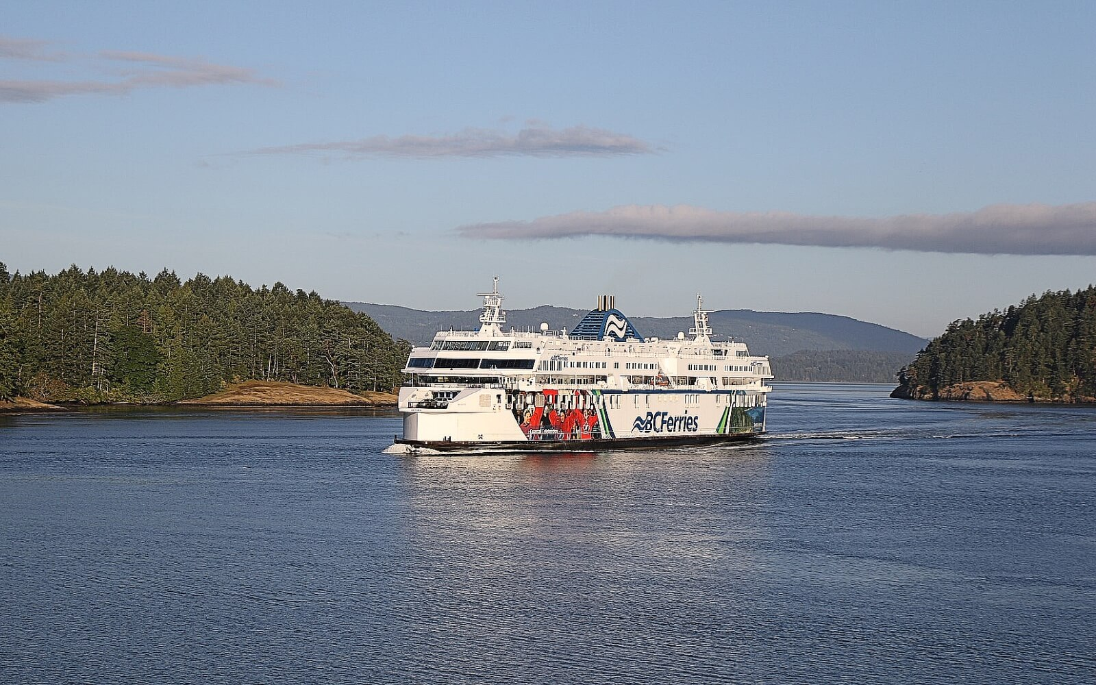 A BC Ferry ships comes into port